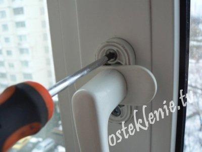 Поворотно откидной механизм для пластиковых окон